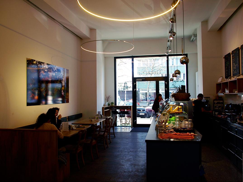 cafe wohnzimmer best cafe wohnzimmer berlin ideas. Black Bedroom Furniture Sets. Home Design Ideas